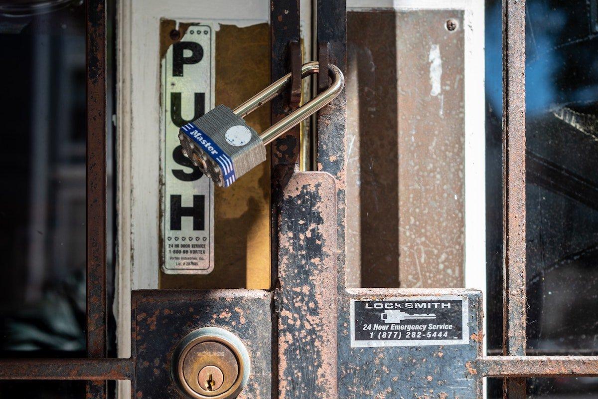 recession - closed businesses- covid-19 - Rethink Mississippi